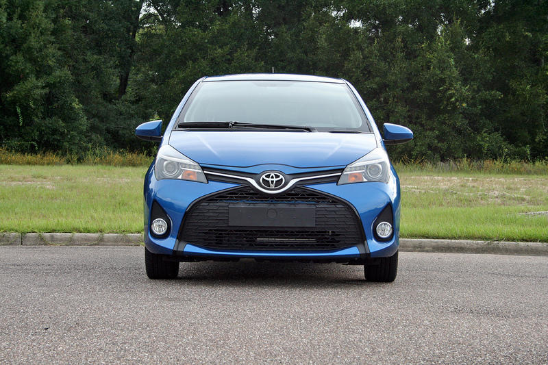 2015 Toyota Yaris - Driven High Resolution Exterior - image 650978