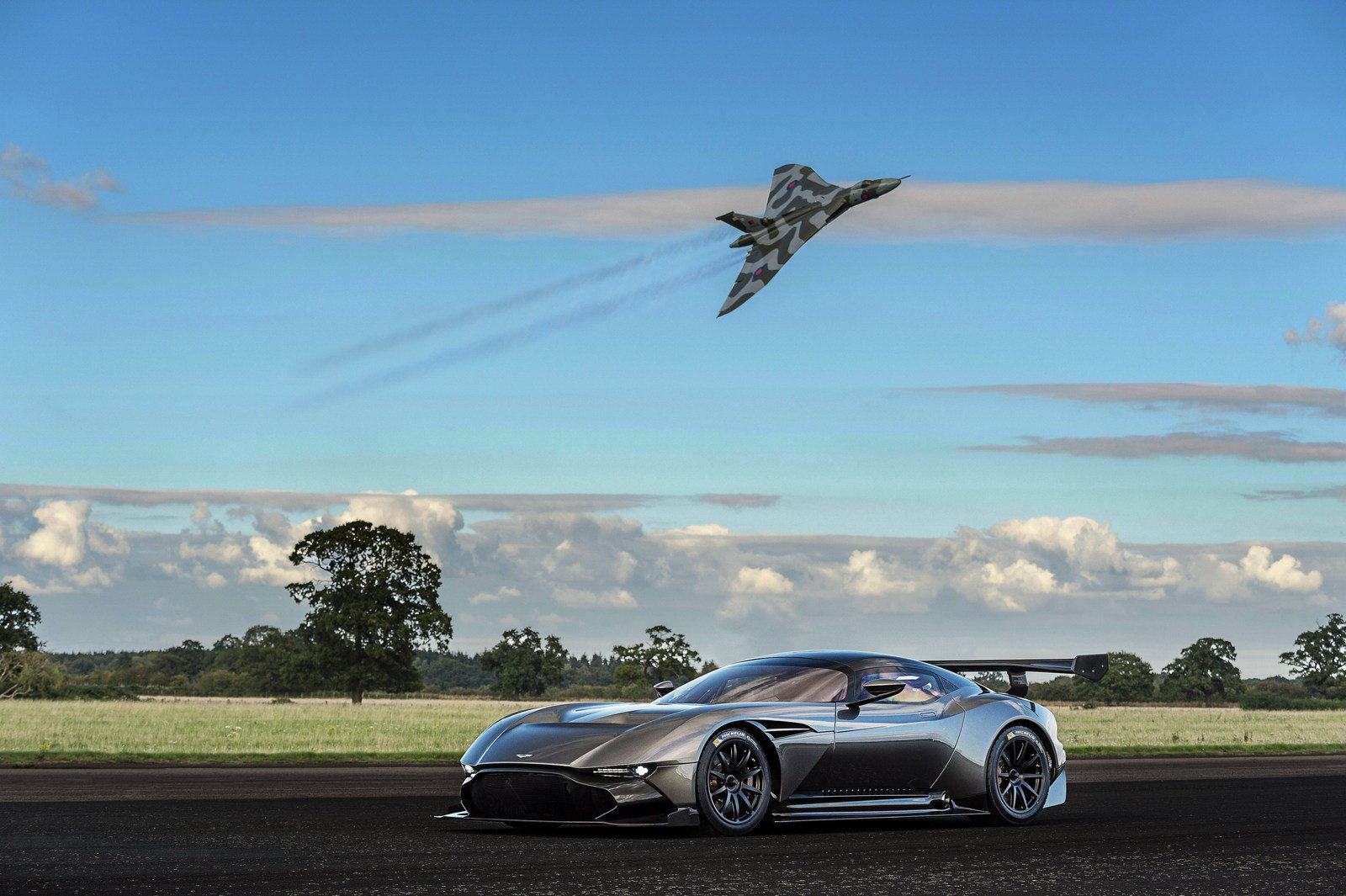 2016 Aston Martin Vulcan Picture 649149 Car Review