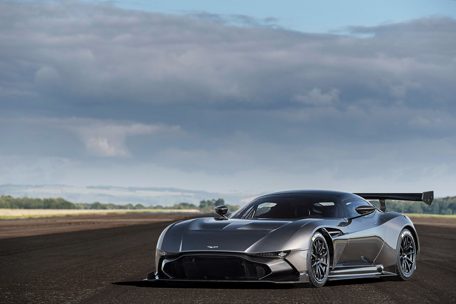 2016 aston martin vulcan picture 649152 car review top speed. Black Bedroom Furniture Sets. Home Design Ideas