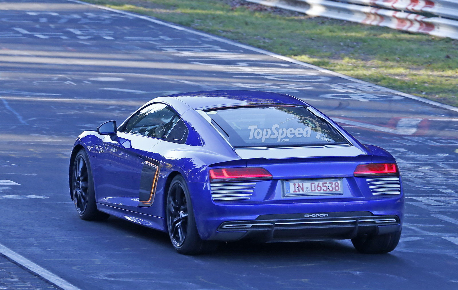 2016 audi r8 e tron picture 653116 car review top speed. Black Bedroom Furniture Sets. Home Design Ideas