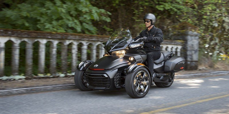 2016 - 2017 Can-Am Spyder F3 - image 649193