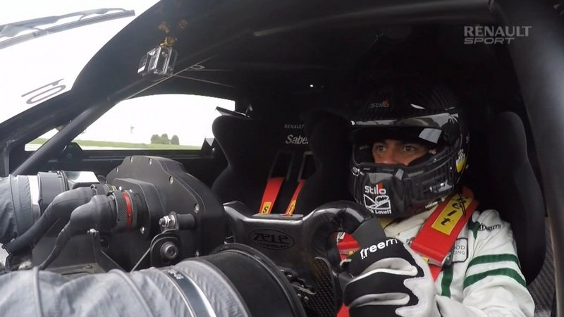 Chris Harris Test Drives The Renault Sport R.S. 01: Video