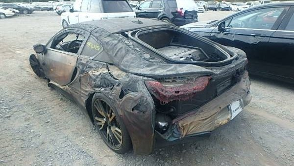 fire totaled bmw i8 for sale on craigslist news top speed. Black Bedroom Furniture Sets. Home Design Ideas