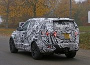 2017 Land Rover Discovery - image 653520