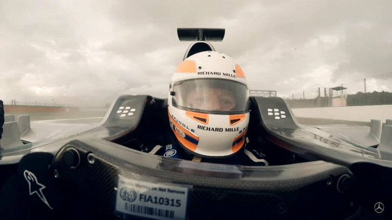 Martin Brundle Test The F1 W06 Hybrid At Silverstone: Video