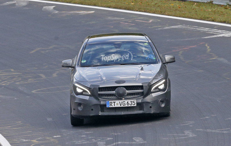 2017 Mercedes-Benz CLA Shooting Brake Exterior Spyshots - image 650377