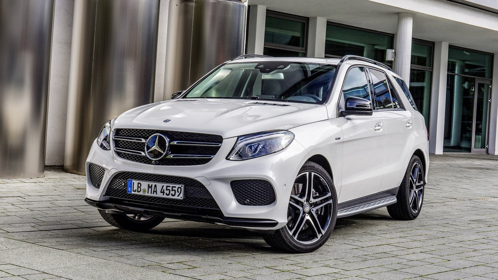 2016 mercedes benz gle 450 amg 4matic review top speed. Black Bedroom Furniture Sets. Home Design Ideas