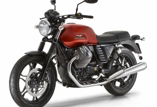 2016 moto guzzi v7 ii motorcycle review top speed. Black Bedroom Furniture Sets. Home Design Ideas