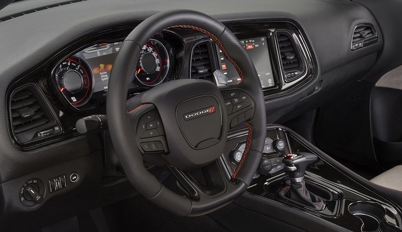 2015 Dodge Challenger GT AWD Concept High Resolution Interior - image 653875