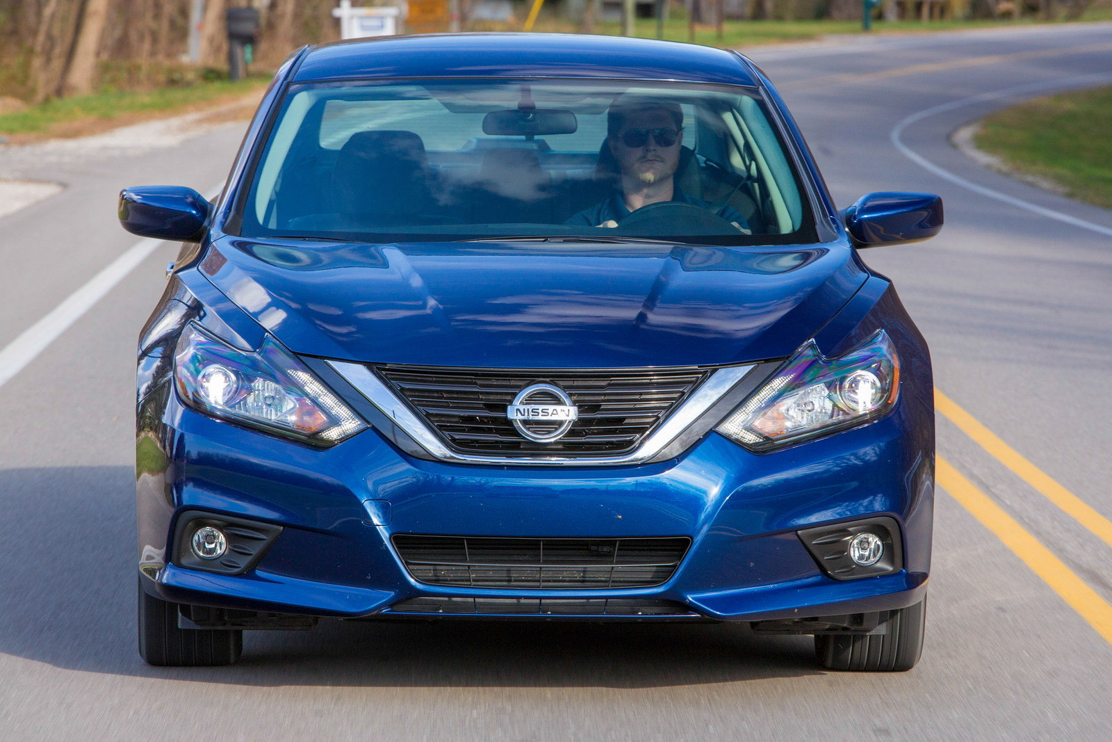 2016 nissan altima driving impression and review picture 655112 car review top speed. Black Bedroom Furniture Sets. Home Design Ideas