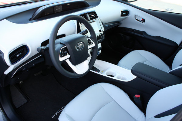 2016 Toyota Prius Driving Impression And Review Car Review Top Speed