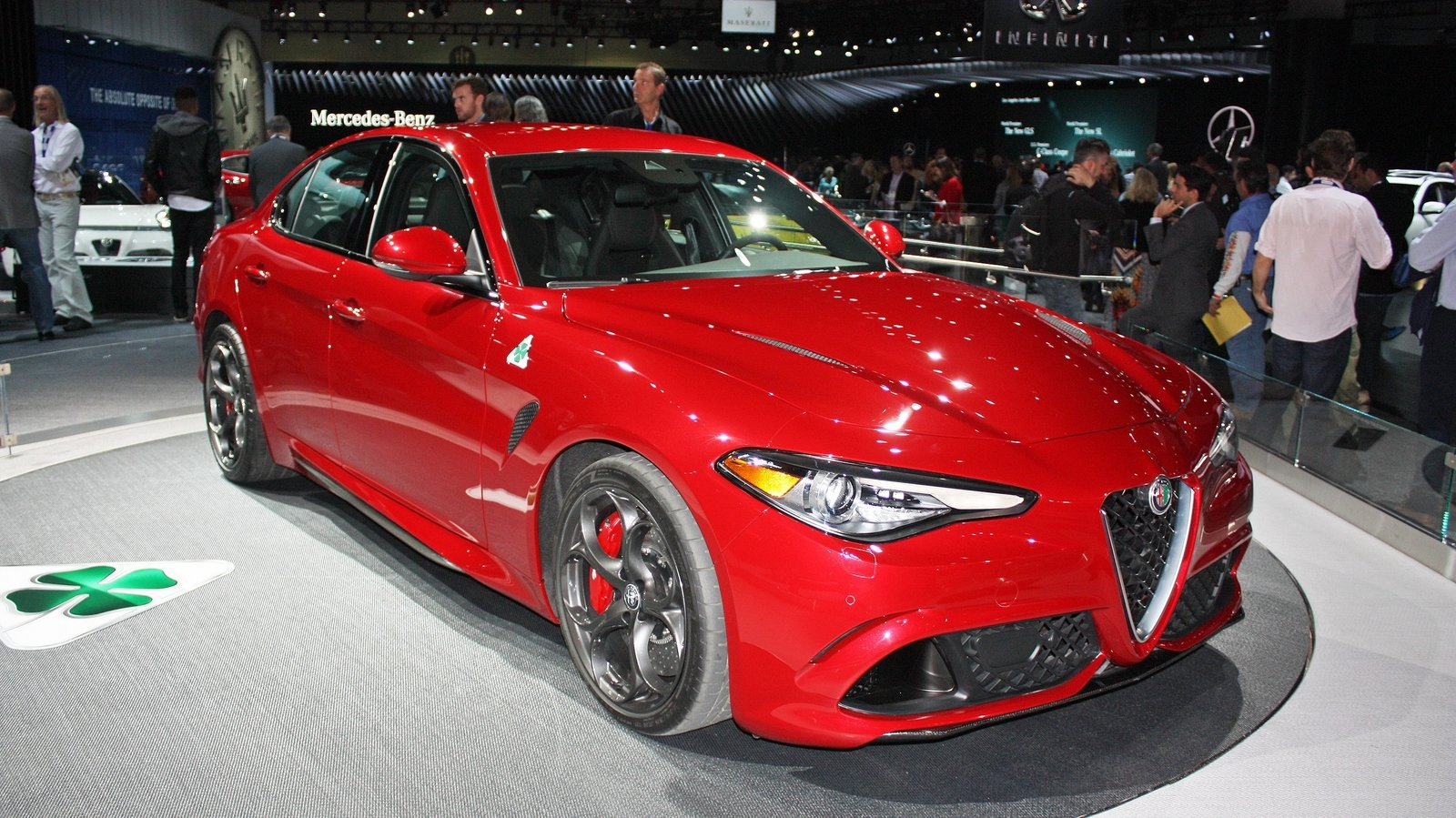 2017 alfa romeo giulia quadrifoglio review top speed. Black Bedroom Furniture Sets. Home Design Ideas