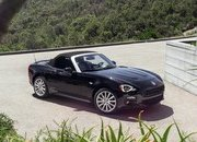 Wallpaper of the Day: 2017 Fiat 124 Spider - image 656071