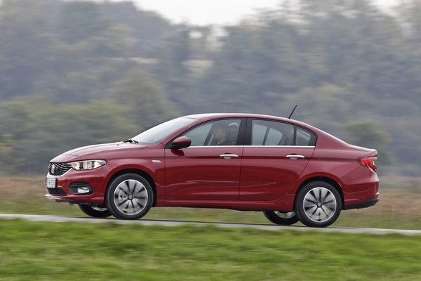 2017 fiat tipo car review top speed. Black Bedroom Furniture Sets. Home Design Ideas
