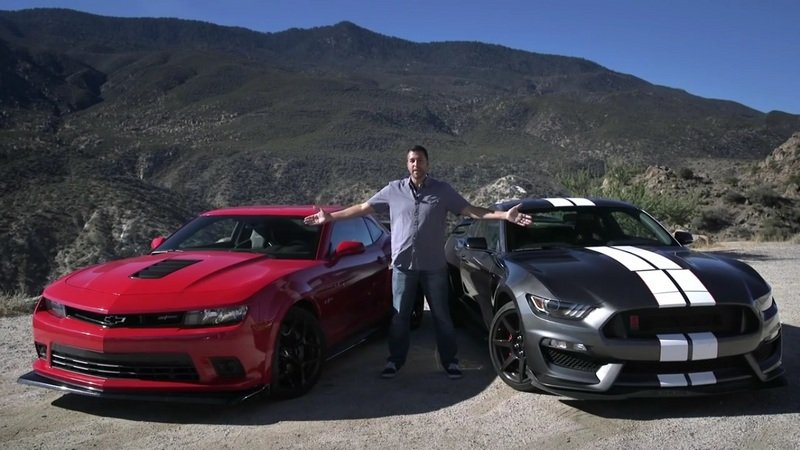 Ford Mustang Shelby GT350R Vs. Chevrolet Camaro Z/28: Video