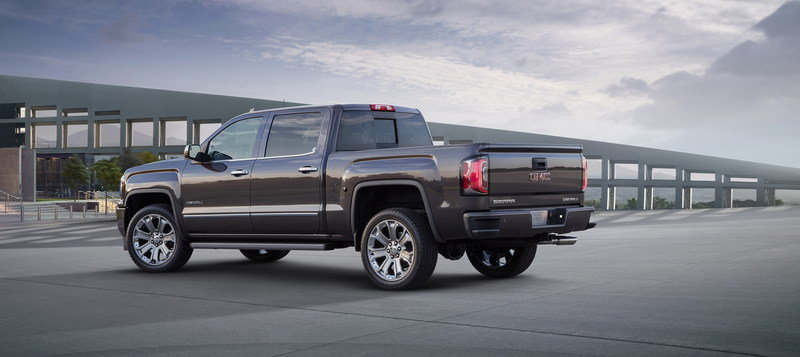2017 GMC Sierra Denali Ultimate High Resolution Exterior - image 655878