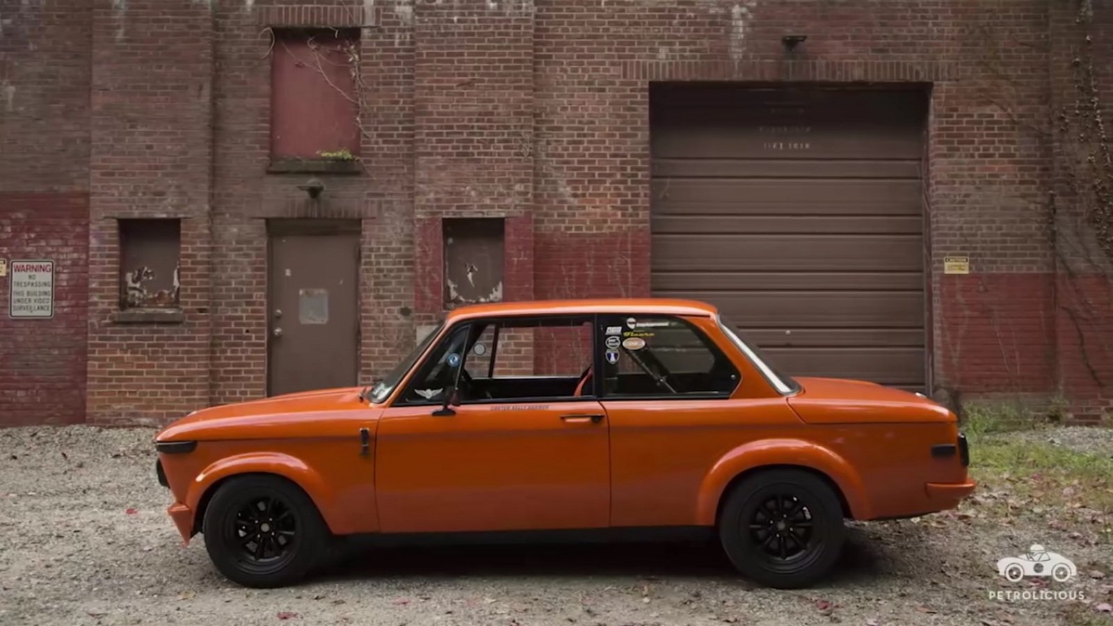 this gorgeous bmw 2002 was built from a wreck video news top speed. Black Bedroom Furniture Sets. Home Design Ideas