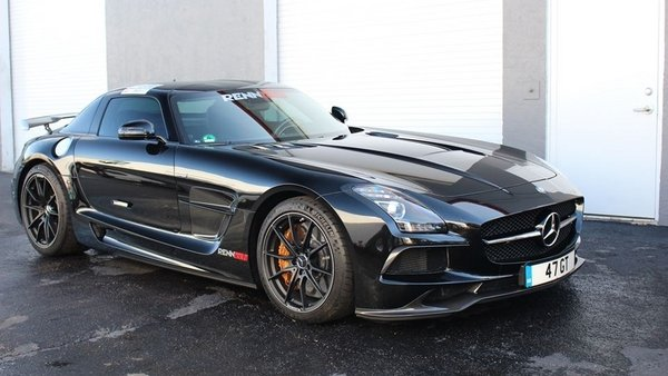 Living with a Mercedes SLS AMG Everyday: The Awesome Exhaust Sound ...