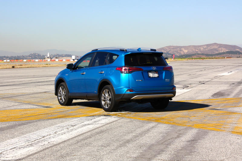 2016 Toyota RAV4 – Driving Impression And Review - image 658967