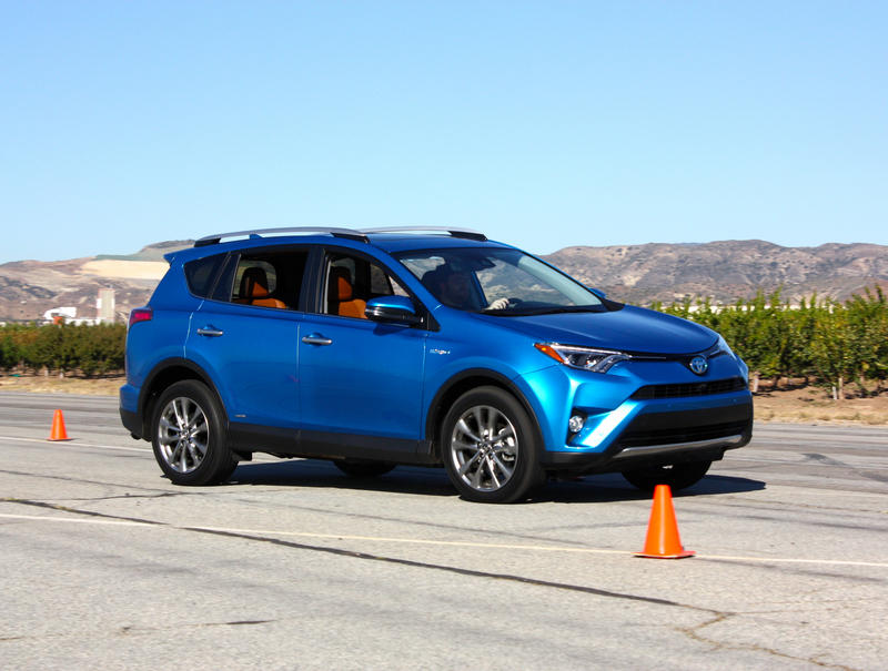 2016 Toyota RAV4 – Driving Impression And Review - image 658977