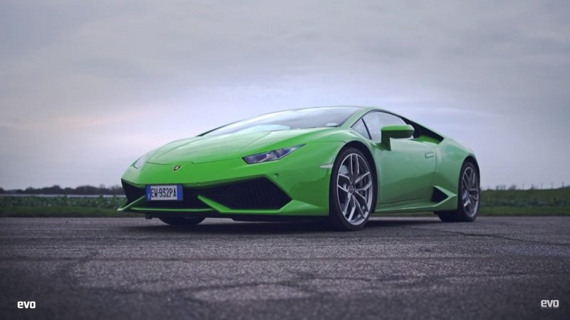 Evo Reviews The Lamborghini Huracan LP580-2: Video