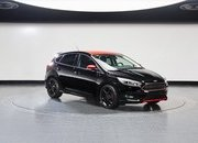 2016 Ford Focus Black & Red Editions - image 660075