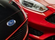 2016 Ford Focus Black & Red Editions - image 660070