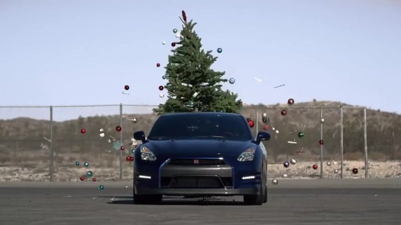 Nissan Reveals The Fastest Way To Undecorate The Tree: Video