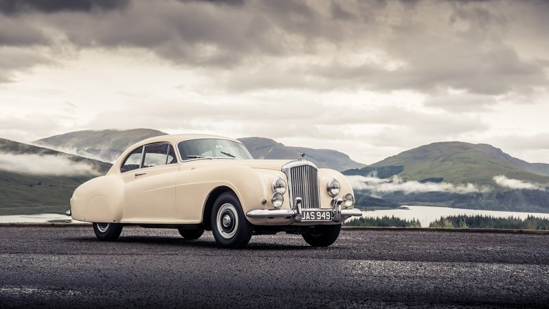 Bentley Continental: Evolution Of An Icon: Video