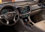 2020 Ford Explorer vs 2019 GMC Acadia: How They Compare - image 661728