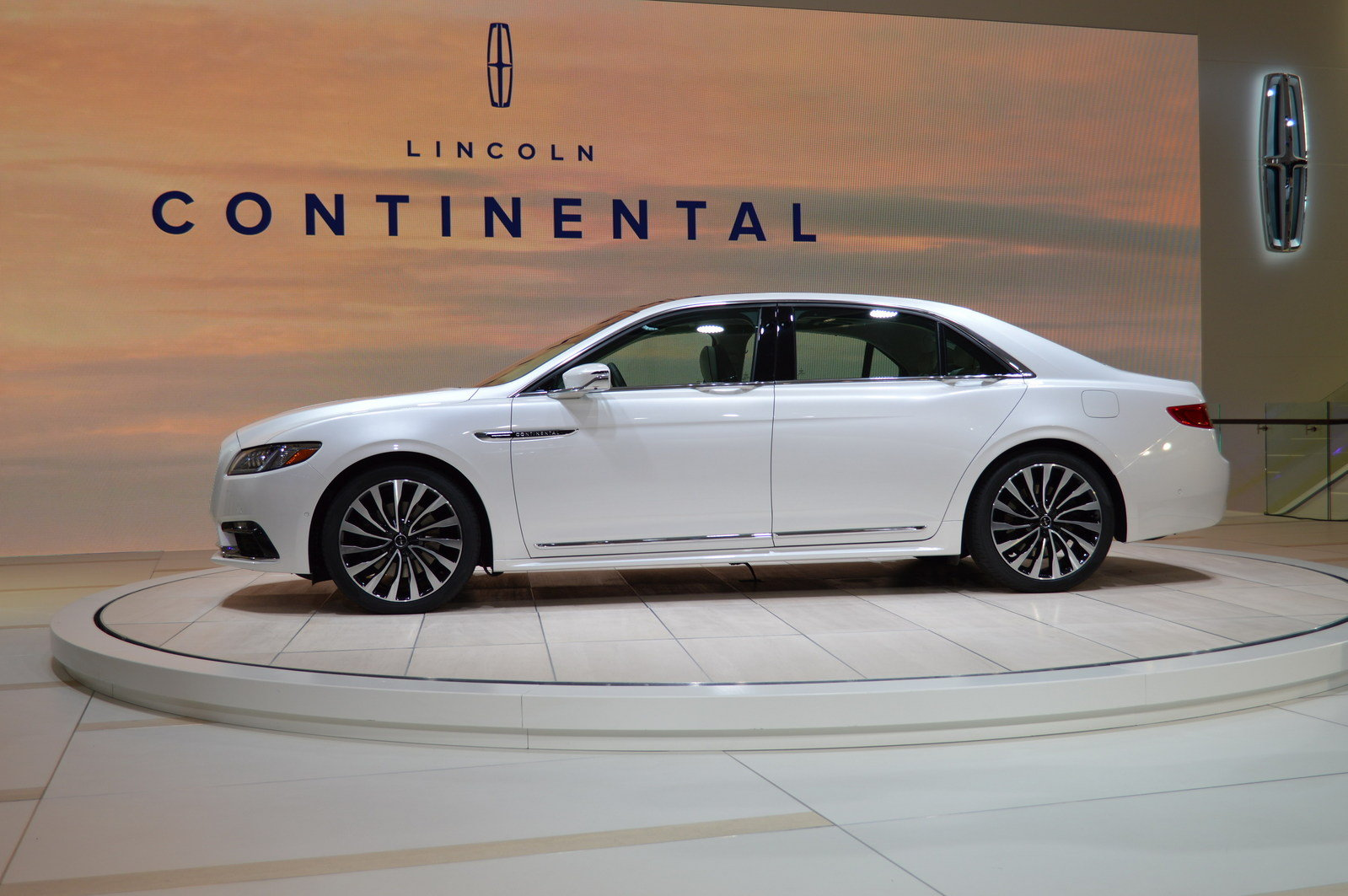2017 lincoln continental picture 661836 car review