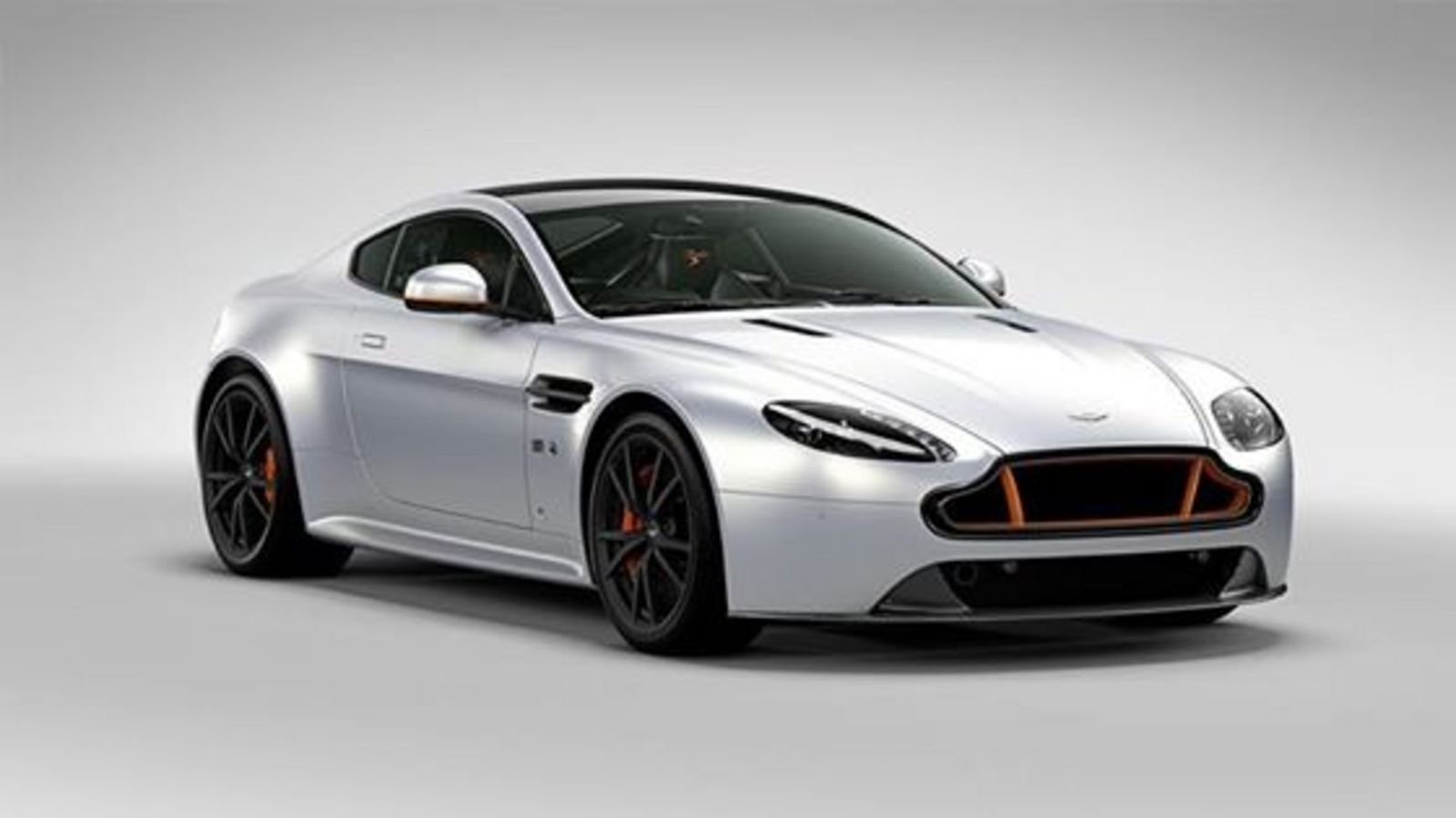 2016 aston martin v8 vantage s blades edition review top speed. Black Bedroom Furniture Sets. Home Design Ideas