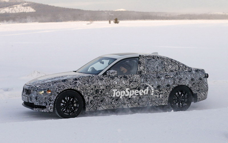 Check Out the Self-Aligning Wheel Caps on the 2019 BMW 3 Series