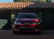 2017 Chrysler Pacifica - image 661195