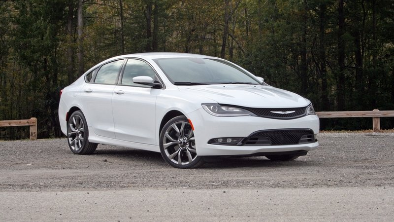FCA Prepares To Kill Dodge Dart and Chrysler 200