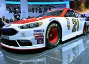 2016 Ford Fusion NASCAR - image 662059
