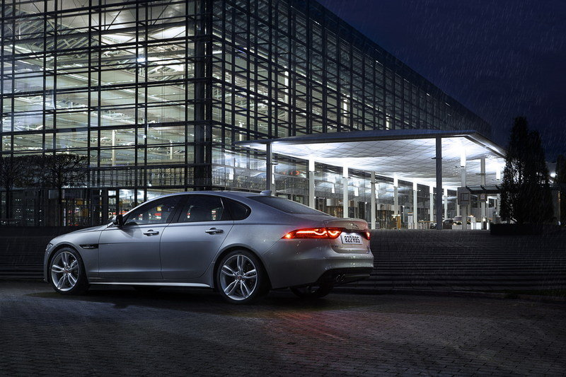 2017 Jaguar XF High Resolution Exterior - image 662086