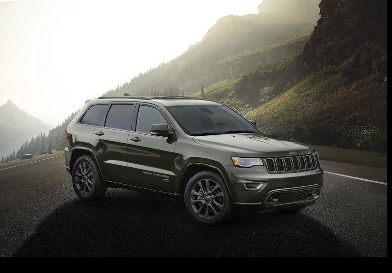 2016 Jeep Grand Cherokee 75th Anniversary Edition High Resolution Exterior - image 660892