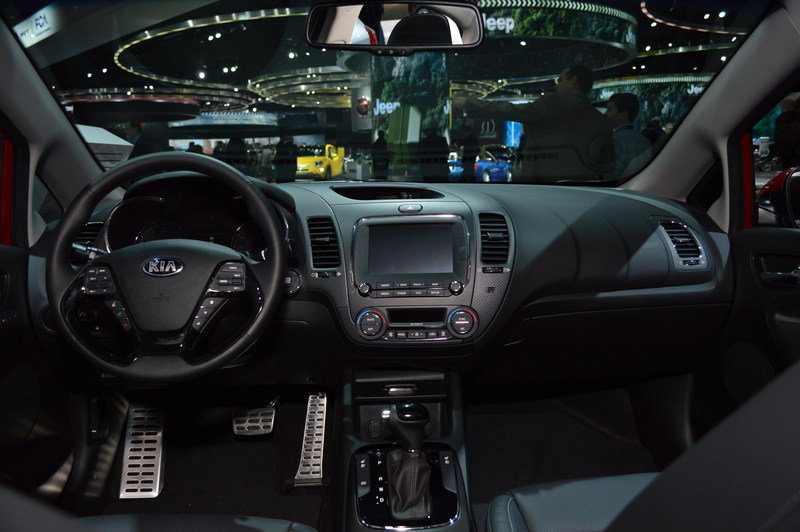 2017 Kia Forte High Resolution Interior AutoShow - image 661884