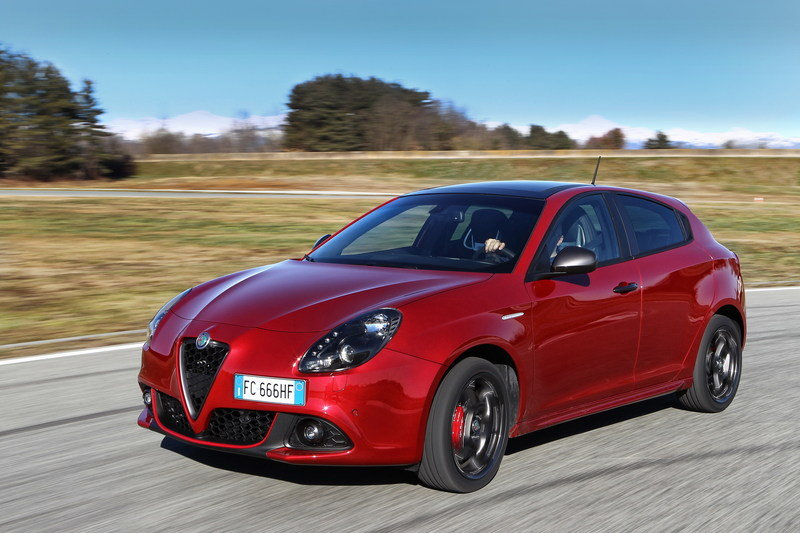 Say Goodbye to the Little Guy as Alfa Romeo Discontinues the Giulietta High Resolution Exterior - image 667225