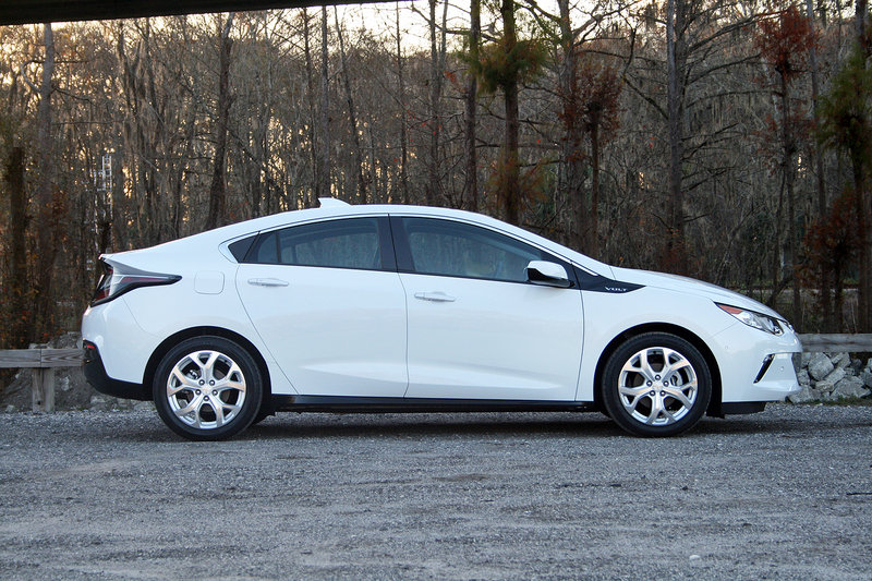 2016 Chevrolet Volt – Driven High Resolution Exterior - image 666214