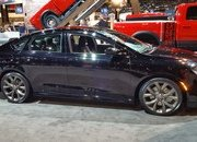 2016 Chrysler 200S Alloy Edition - image 665981