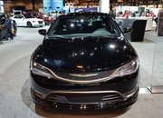 2016 Chrysler 200S Alloy Edition - image 665970