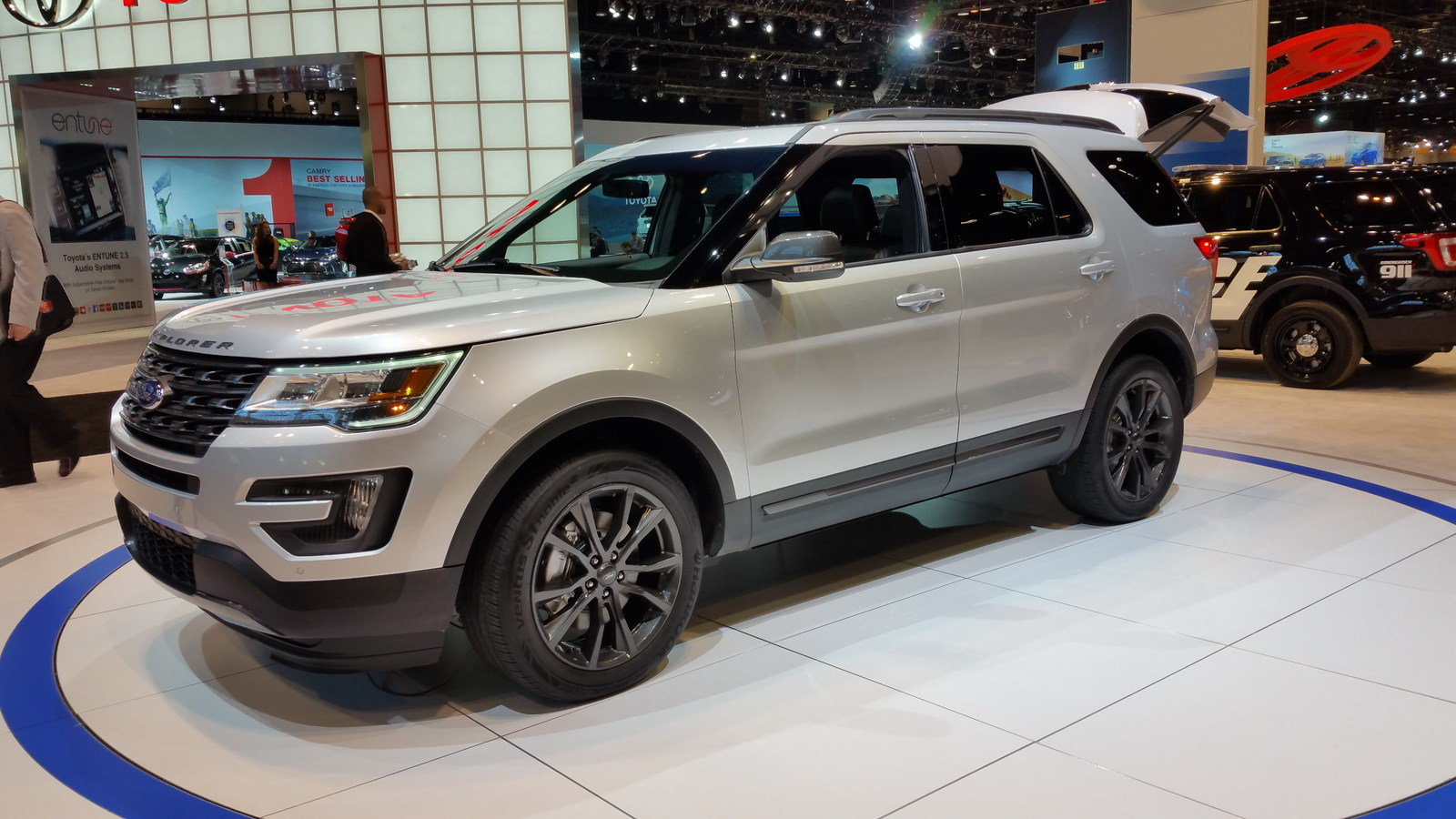 2017 Ford Explorer Xlt Sport Appearance Package Pictures