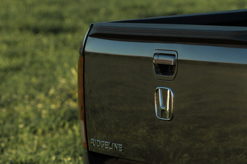 2017 Honda Ridgeline Stars In Honda's Super Bowl 50 Commercials - image 663873