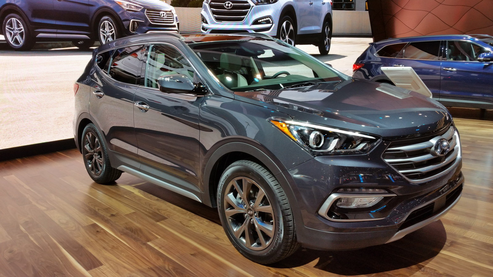 2017 hyundai santa fe review top speed. Black Bedroom Furniture Sets. Home Design Ideas