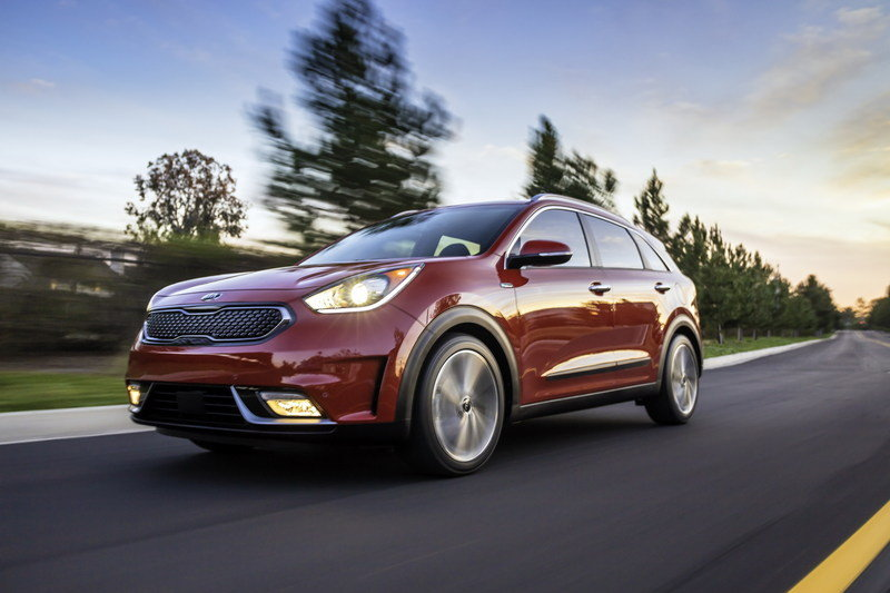 Kia is Considering AWD for the Niro and Optima, but the Sedona Will Have to Wait High Resolution Exterior - image 665052