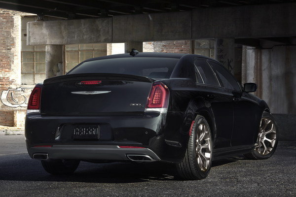 2016 chrysler 300s alloy edition car review top speed. Black Bedroom Furniture Sets. Home Design Ideas