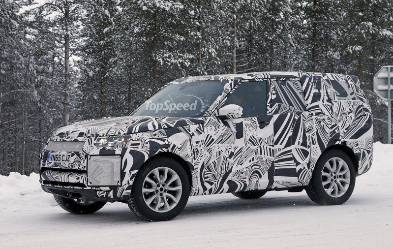 2017 Land Rover Discovery Exterior Spyshots - image 664077