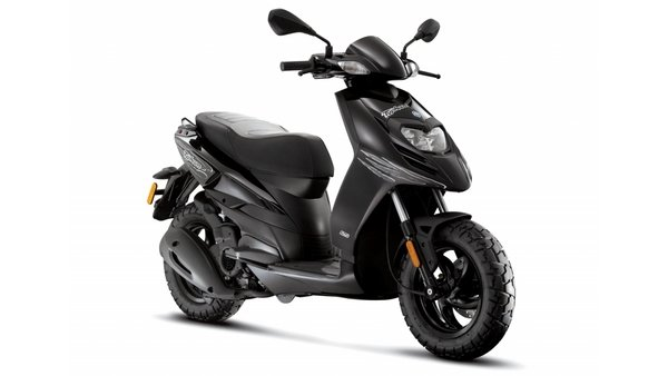 2016 piaggio typhoon 50 / typhoon 125 review - top speed